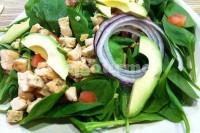Captura de Salada de espinafre com peito de frango
